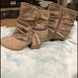 Slouchy Ankle Boots